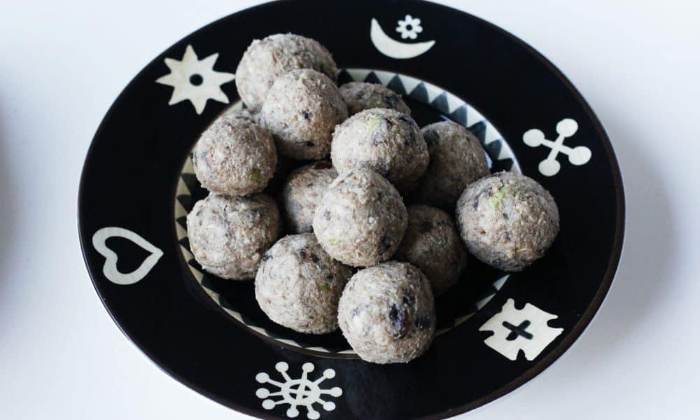 surovi-bonboni-yabulka-kanela