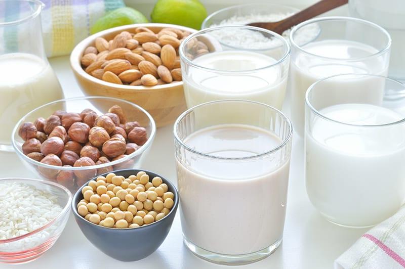 7 причини защо растителното мляко е бъдещето!